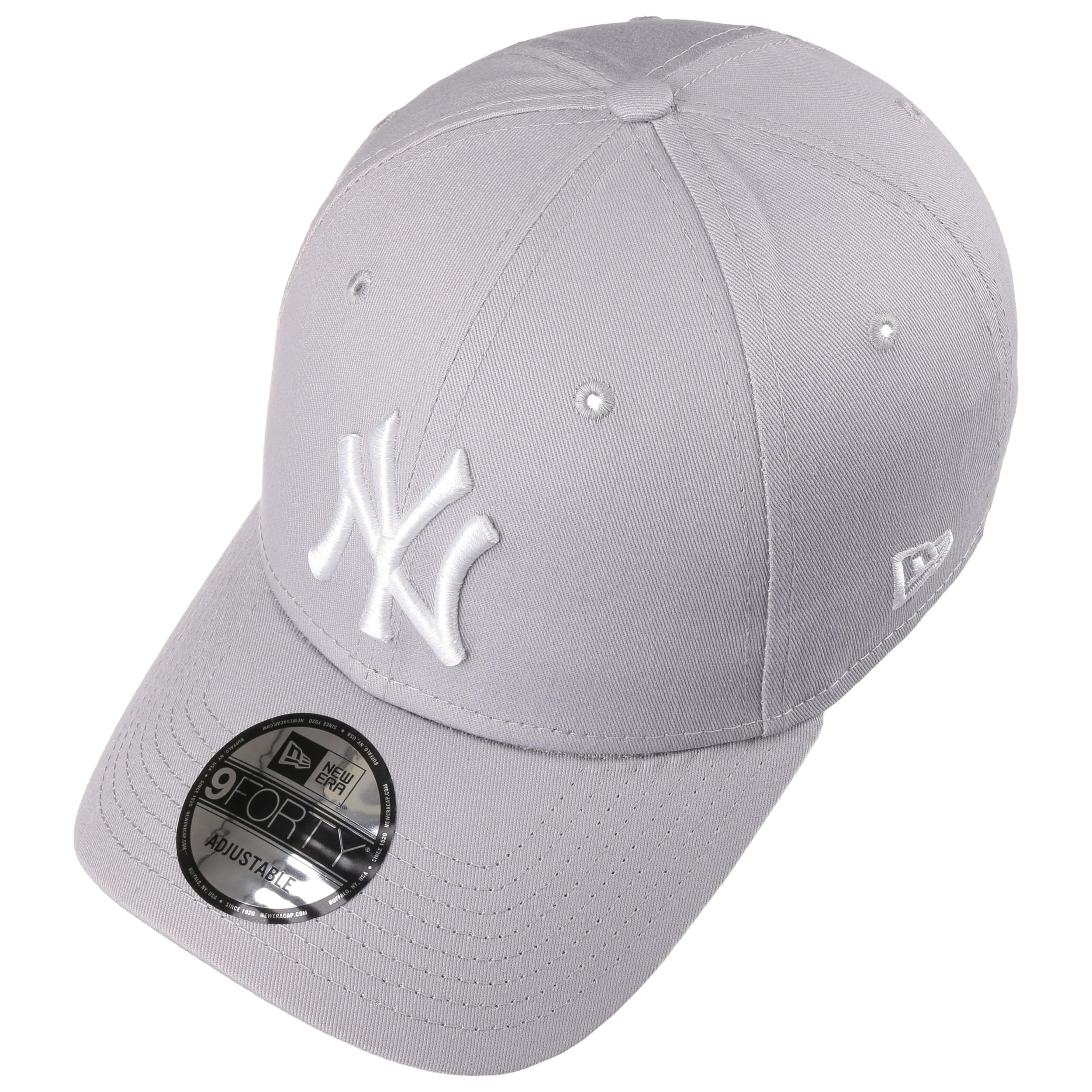 f5b43adb3 9Forty League Basic Yankees Cap by New Era