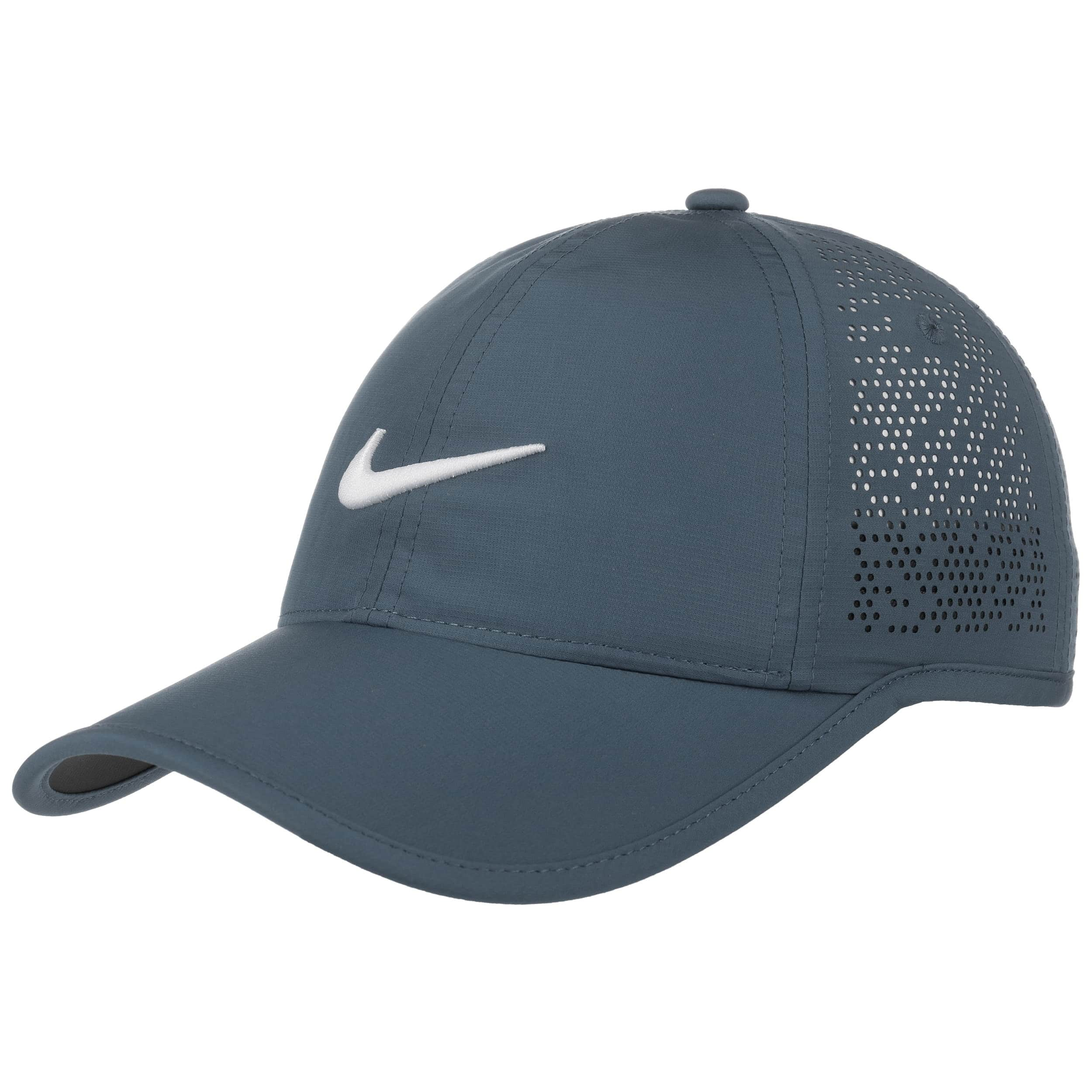 casquette swoosh perforation by nike 29 95. Black Bedroom Furniture Sets. Home Design Ideas